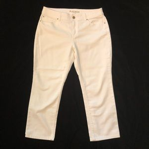 CHICO'S White Cropped Jeans